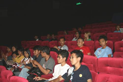 http://sangkanparan.files.wordpress.com/2007/10/cilacap2.JPG