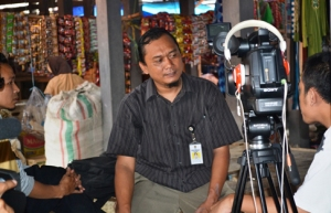 interview narasumber ; produksi film dokumenter M . Ridho