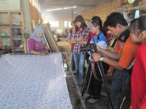 Para siswa SMKN1 Kebumen saat produksi film dokumenter