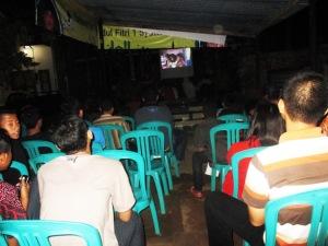 Penonton yang hadir memenuhi Pendopo Oemah Joglo
