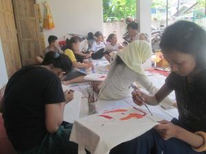 para Pelajar melukis Tas di Sangkanparan