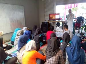 Belajar Bahasa Inggris bersama Miss Okky