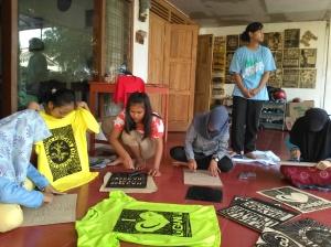 Aktifitas Sablon Cukil digemari para pelajar